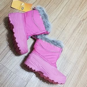 Champion snow boots for girl size 10